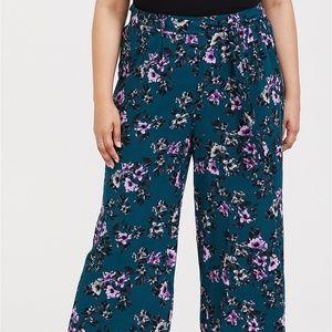 Torrid Floral Challis Wide Leg Pant sz 1